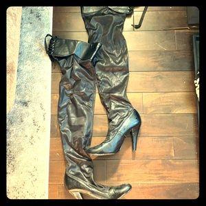 Thigh high heeled boots *FINAL OFFER*